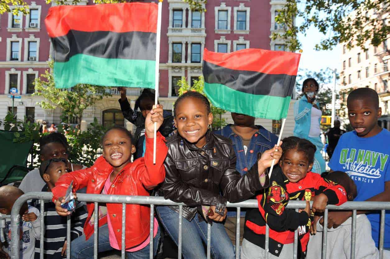Harlem-Parade-Goers-2